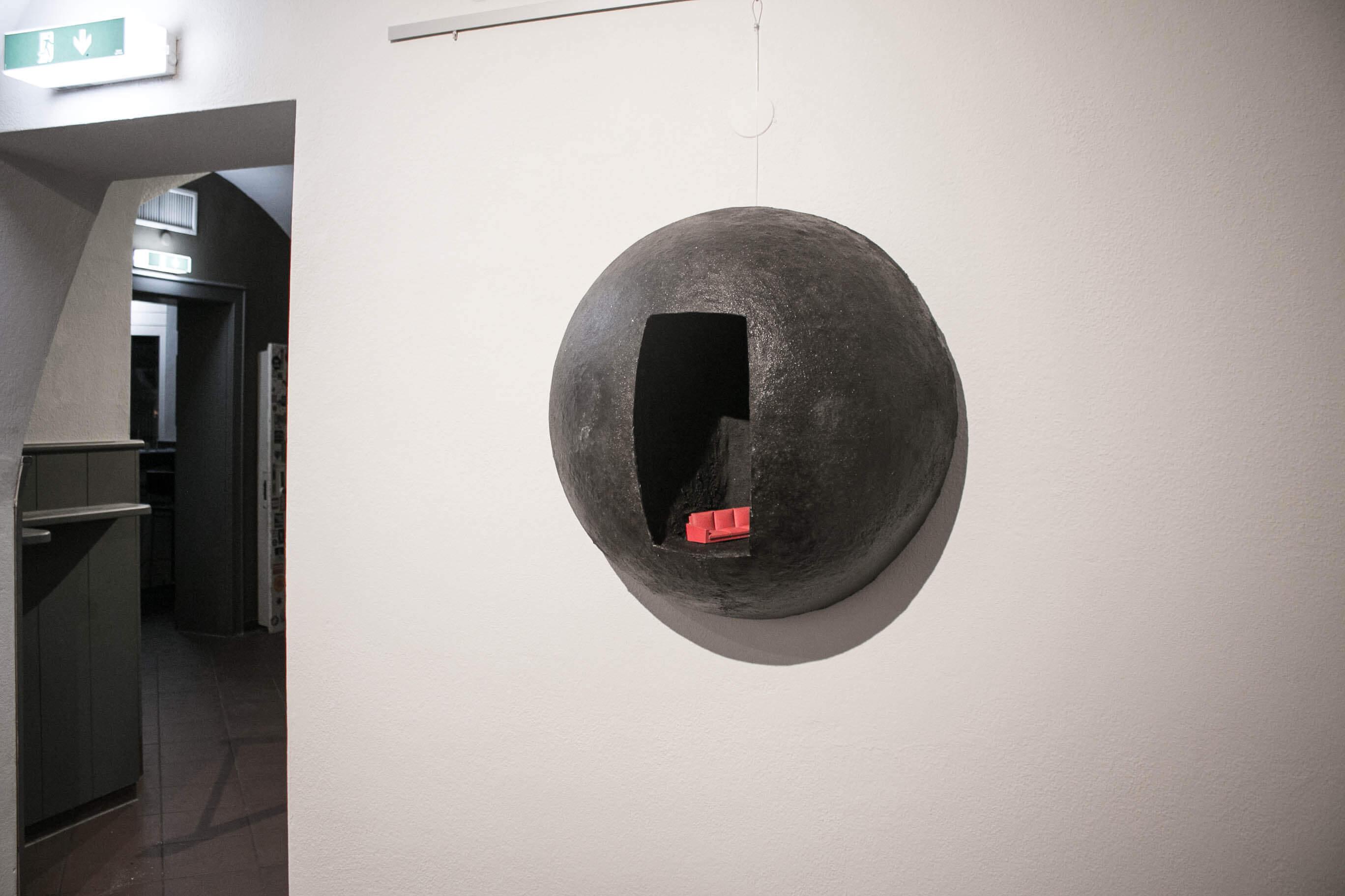 round_Meenan_art_relief_sculpture_IMG_2491.jpg