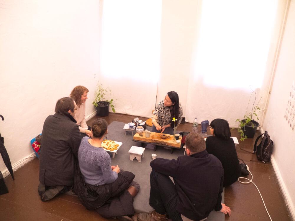 meenan-people-in-tea-room-Hirsch.jpg